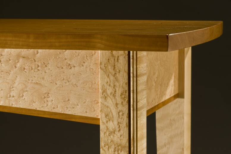 Close-up of table/joinery by Tom Laudin